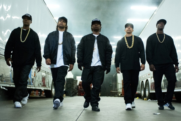Straight_Outta_Compton_review